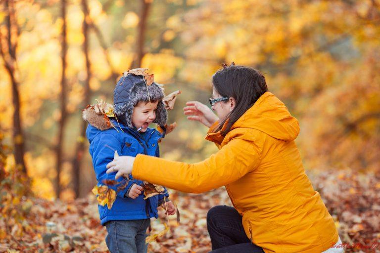 autumnal family photo shoot