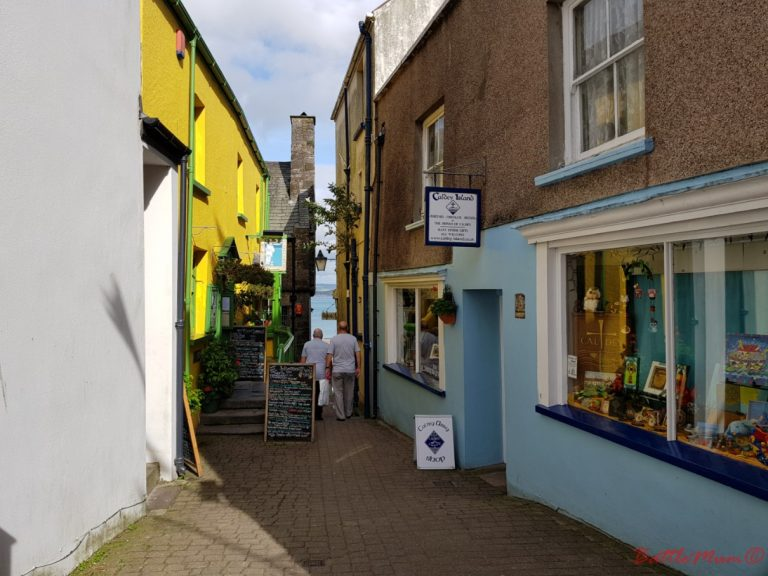mid-week stay at bluestone - Tiny streets in Tenby