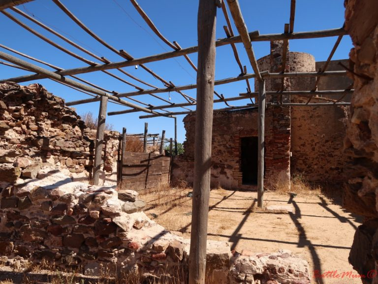 dragon hunting adventure at castro marim - ruined buildings