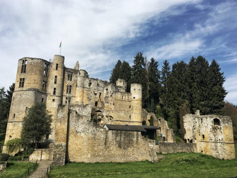 Best Castles To Visit With Kids In the World- A comprehensive list of some of the best castles around the world for a family day out.