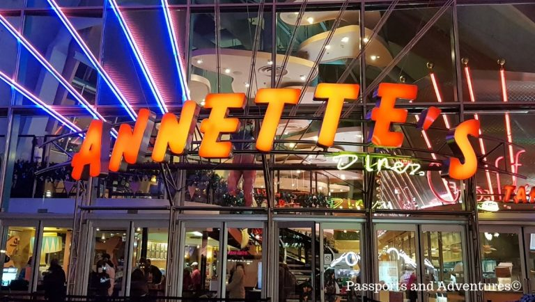 The front of Annette's diner in Disneyland Paris -