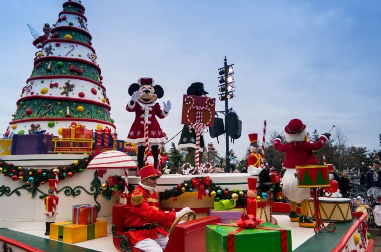 The Disneyland Paris Christmas Parade