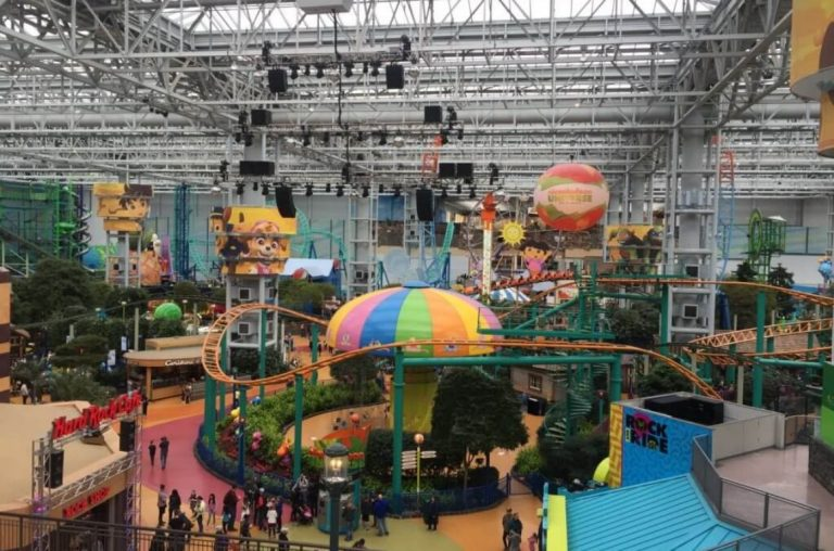 A view inside the Nickelodeon Universe