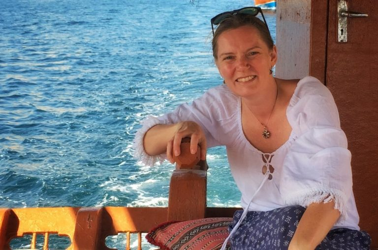 A picture of Keri, the author behind the blogs Our Globetrotters, Little City Trips and Family Travel Middle East