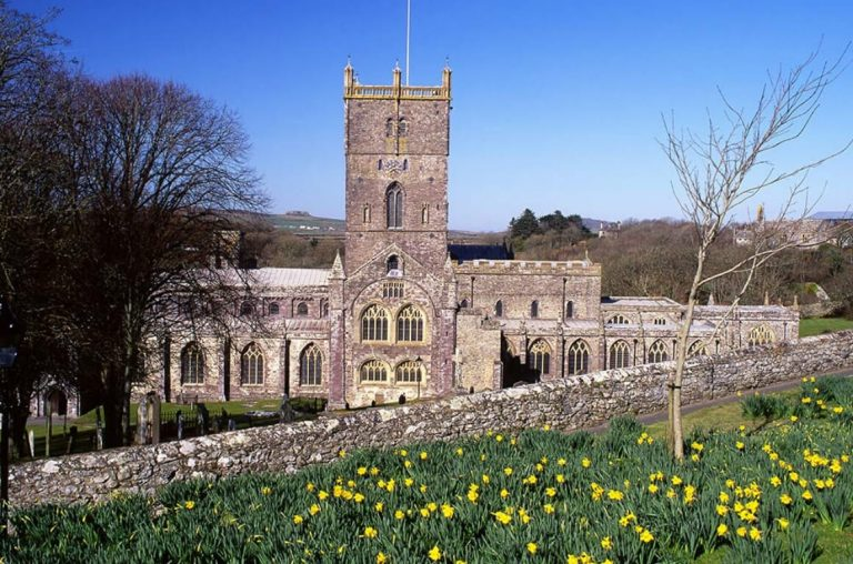 A picture of the cathedral in St David's in Wales
