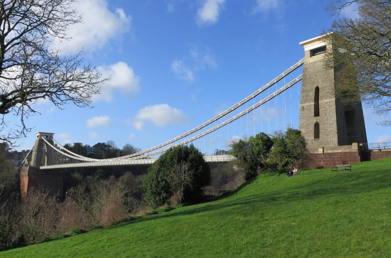 A picture of the Clifton Suspension Bridge in Bristol