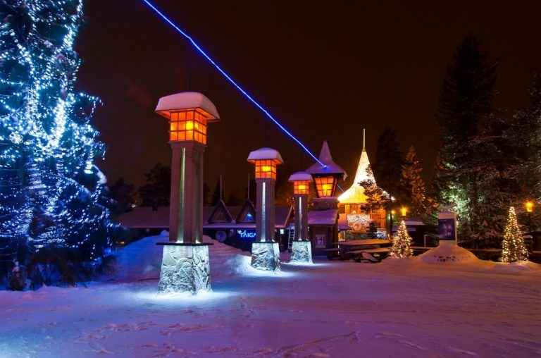 A picture of the Arctic Circle crossing at the Santa Claus Village in Lapland at night