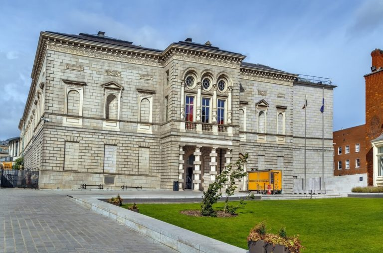 A picture of the exterior of the National Gallery of Ireland