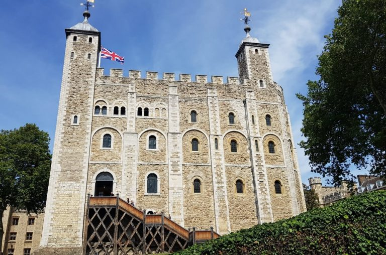 A picture of the White Tower at the Tower of London